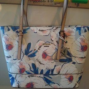 Guess floral shoulder bag